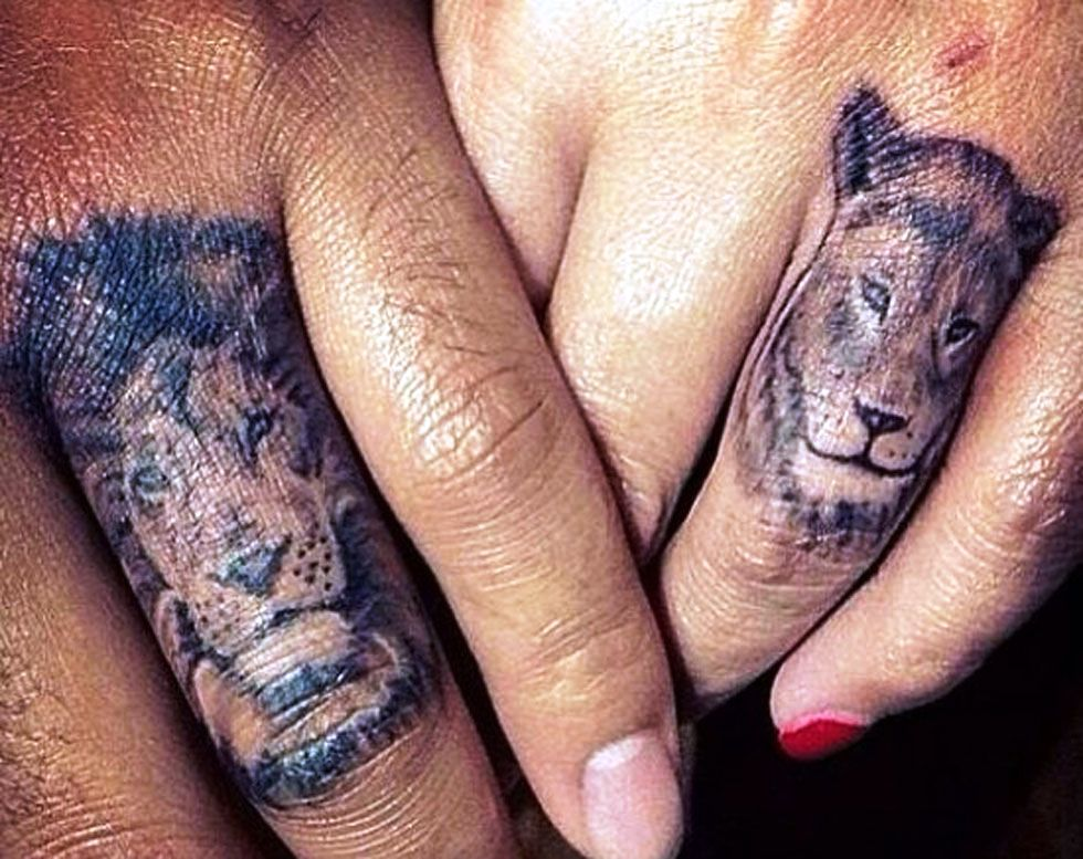 lions-finger tattoos