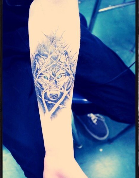cute-wolf-tattoo-designs