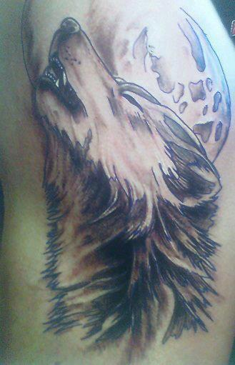 wolf-howling-at-moon-tattoo-2014