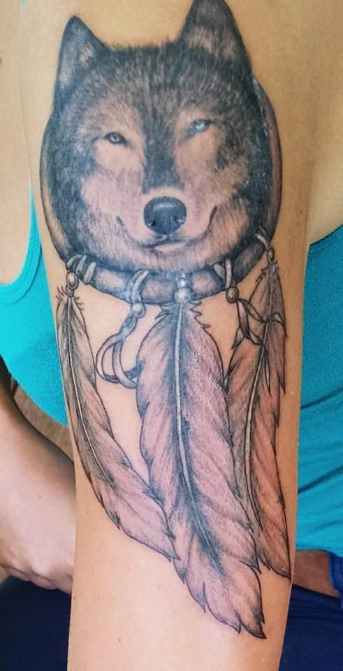 wolves-native-american-dreamcatcher-tattoo